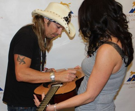 Bret Michaels Signing